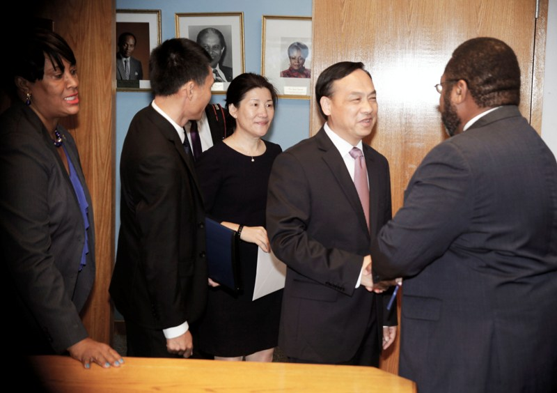 Acting Minister of Foreign Affairs&Chinese Ambassador May 24, 2016. .  038039
