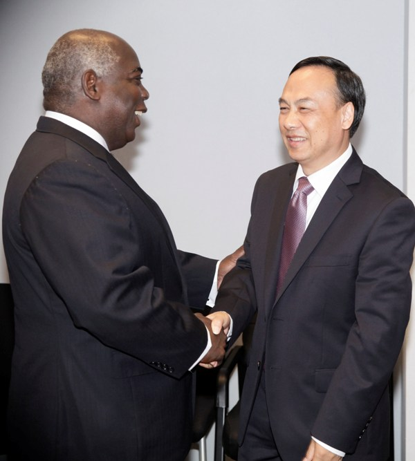 Acting Minister of Foreign Affairs&Chinese Ambassador May 24, 2016. .  038045