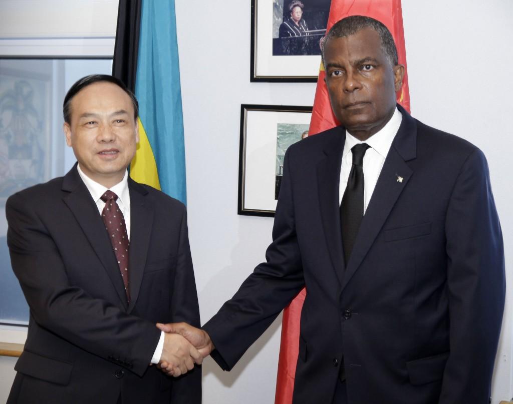Minister Mitchell&Chinese Ambassador June 23, 2016.   007126
