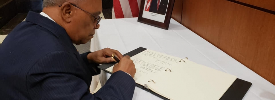 Jeffrey WIlliams signs book of Condolence